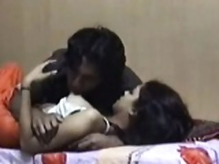 AMATEUR INDIAN MARRIED COUPLE  Honeymoon Sex Video